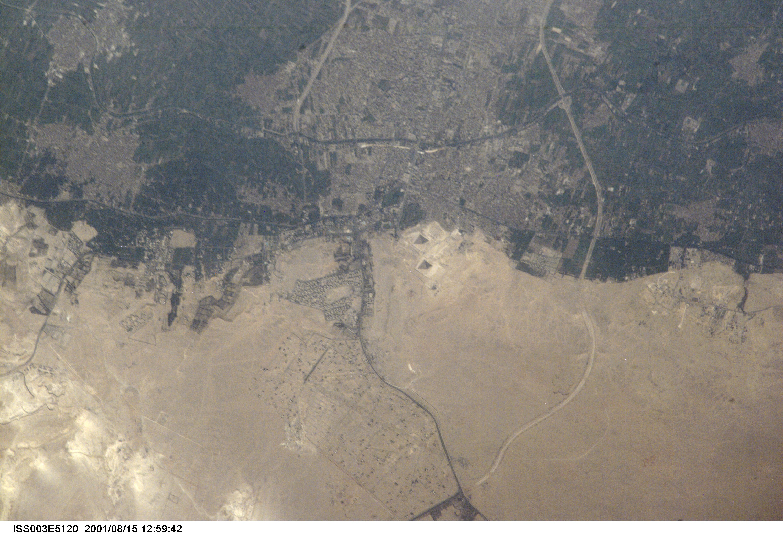 PiramidesDeGiza_Egito_Nasa