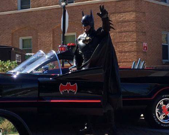 Batman de Maryland morre atropelado por Batmóvel
