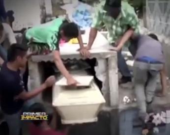 Família resgata garota de caixão um dia depois de enterro