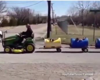 Aposentado constrói trem para passear com seus cachorros
