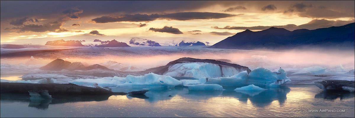 """Lago Jökursárlón, na Islândia, a """"Terra do gelo""""."""