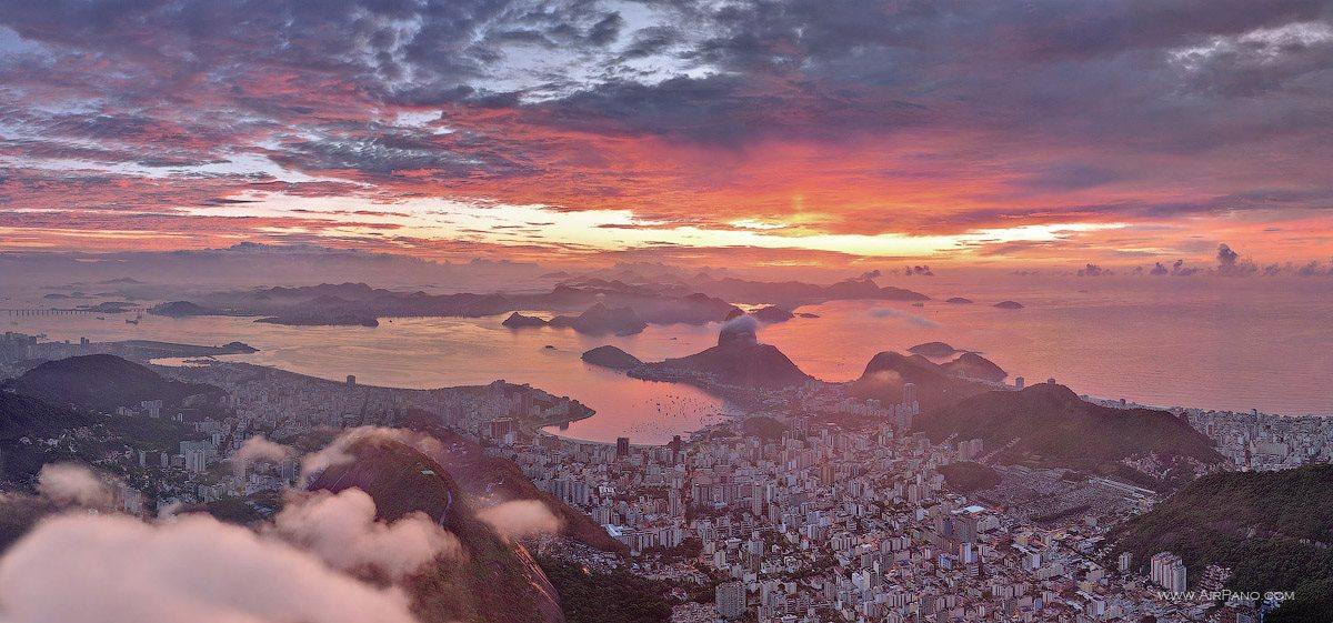 """""""Rio de Janeiro em rosa"""", como descrevem os fotógrafos russos do projeto"""
