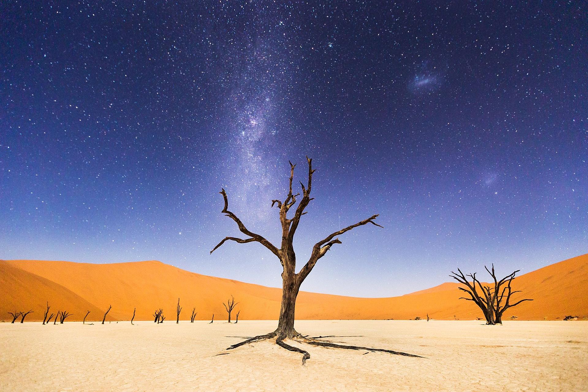"""""""Uma noite em Deadviei, na Namíbia"""", por Beth McCarley"""