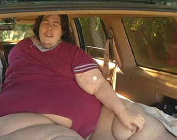 Homem de 350kg é expulso de hospital por pedir pizza