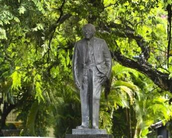 Monumentos de praças do Recife (nem sempre) contam as histórias da cidade…