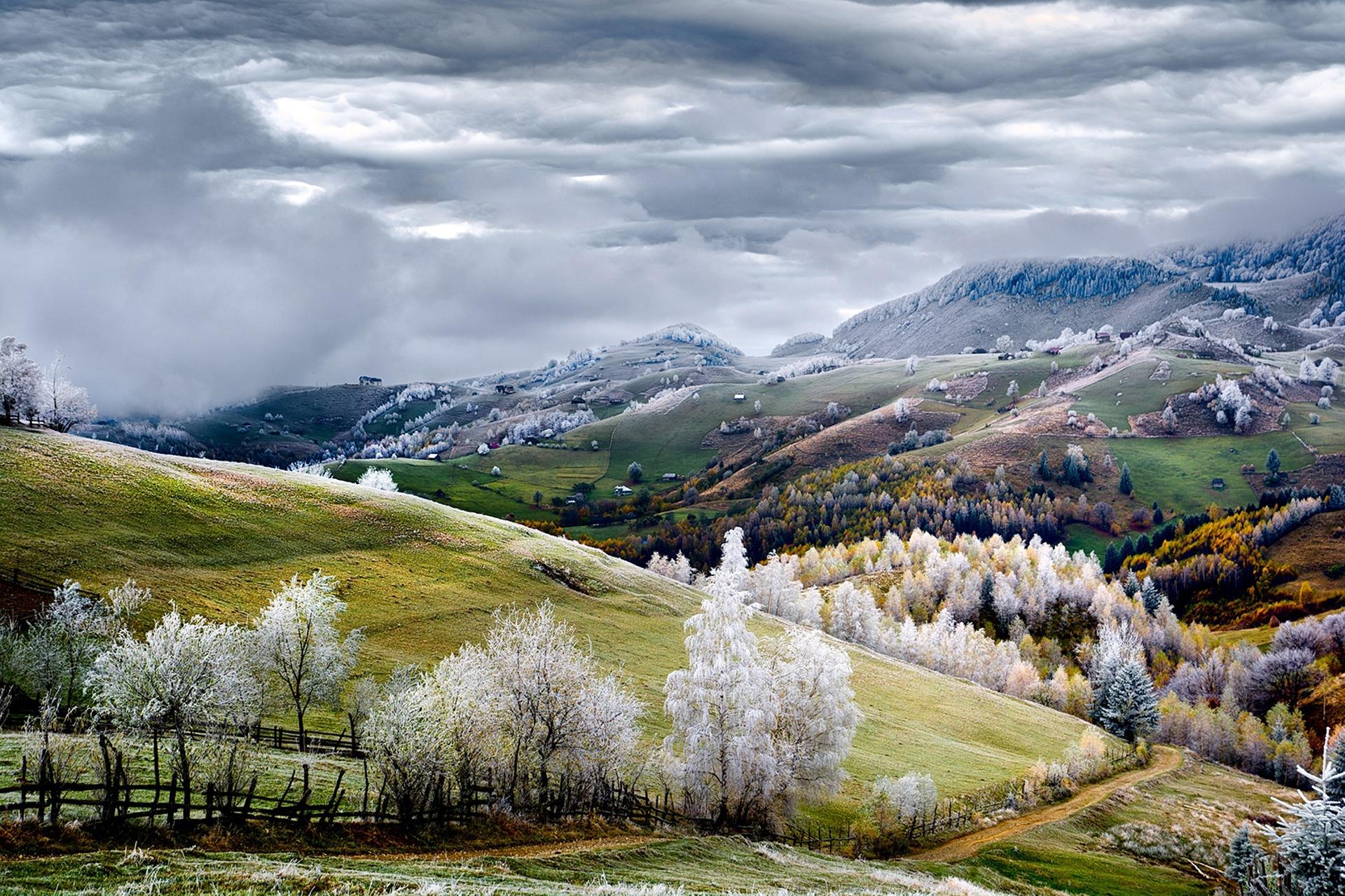 """""""Gelo na Vila Pestera, na Romênia"""", por Eduard Gutescu"""