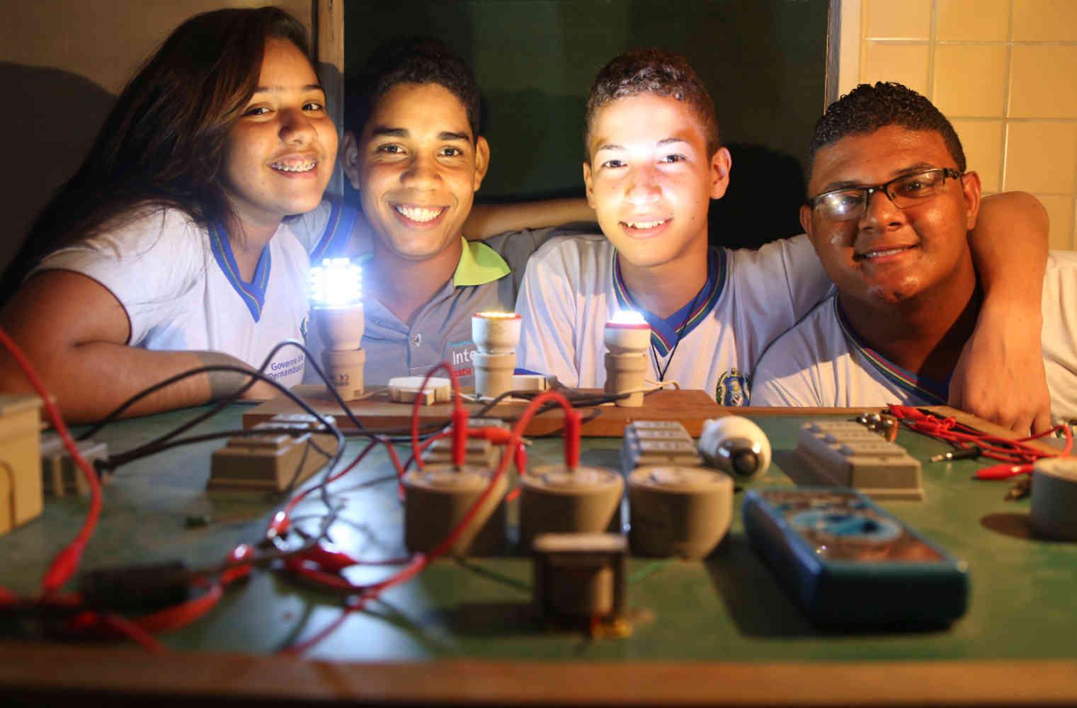 O projeto na Escola de Referencia em Ensino Medio Alfredo Freyre teve início em 2013