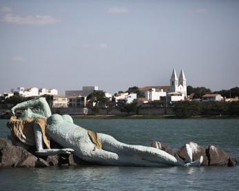 Pastores acionam Ministério Público para retirar escultura de Iemanjá do Velho Chico, em Petrolina