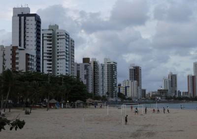 Orla de Olinda também já está ocupada pelos altos prédios