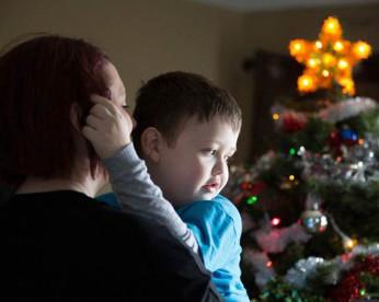 A cidade que antecipou o Natal em dois meses para menino de 7 anos com câncer