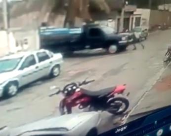 Homem tenta segurar caminhão com as mãos e morre prensado, em Santa Cruz do Capibaribe