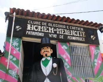 Homem da meia-noite: há 84 anos, o ser mais pontual de Pernambuco