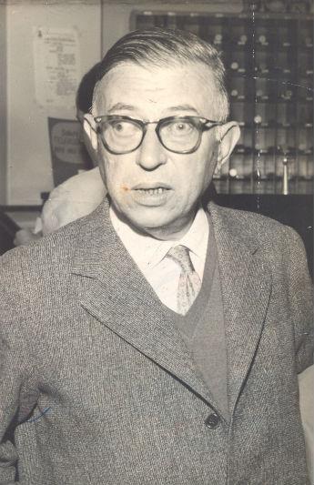 Sartre após palestra em Congresso de Crítica Literária no Recife. Arquivo/DP.