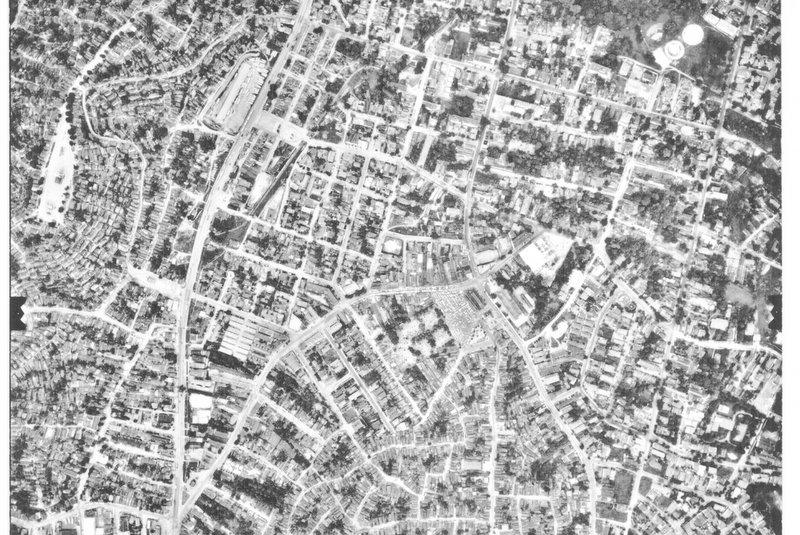Vista aérea do morro na década de 1970