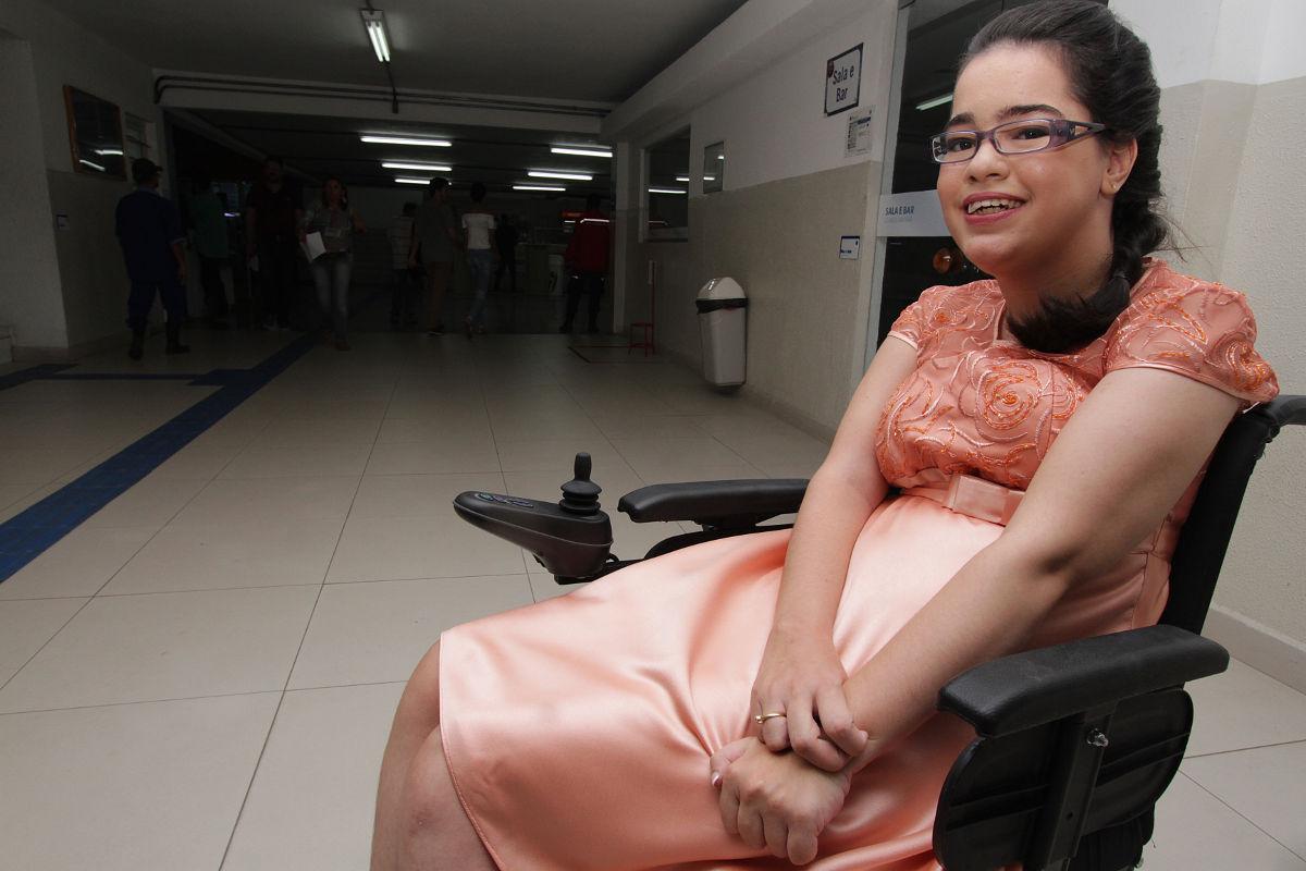 Bacharel com paralisia cerebral é aprovada na OAB-PE