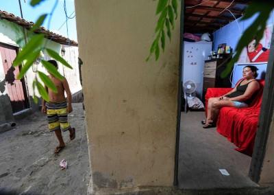 Kamila da Silva sonha com o dia em que Daniel sairá da UTI e irá para casa, de sapatos novos