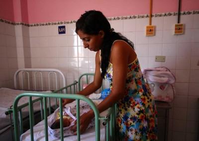 Drama ampliado: em muitos casos, mães de bebês microcefálicos são adolescentes