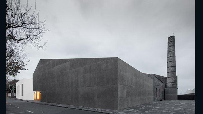 Arquipelago Contemporary Arts Centre, Menos é Mais Arquiectos Associados (Ribeira Grande, Portugal)
