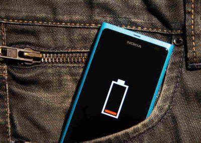 Cientistas desenvolvem bateria que se recarrega sozinha
