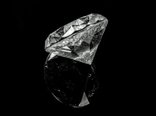 Bateria de lixo nuclear em diamante durará 5 mil anos