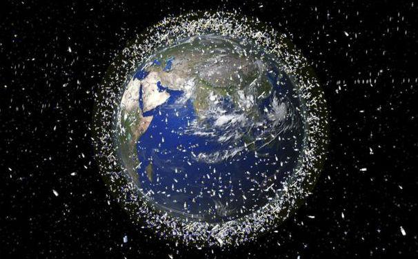 Coletor de lixo é enviado ao espaço