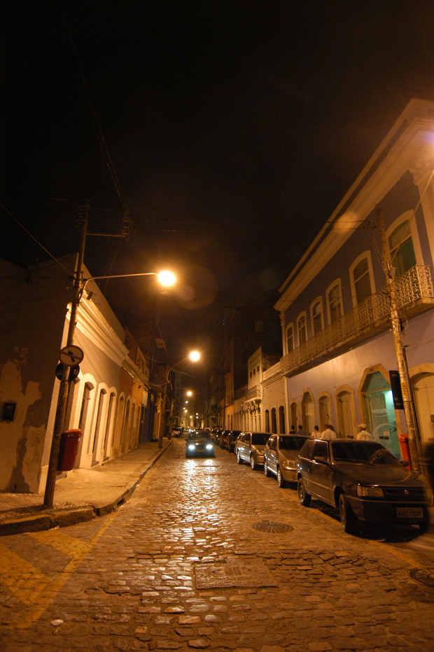 Rua do Brum, próxima ao Porto do Recife Foto: Alexandre Gondim/DP