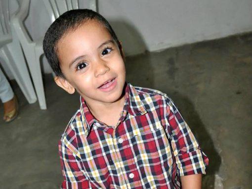 Jeremias venceu câncer no olho aos 3 anos de idade