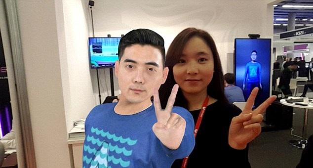 Aplicativo permite selfies e conversa com mortos