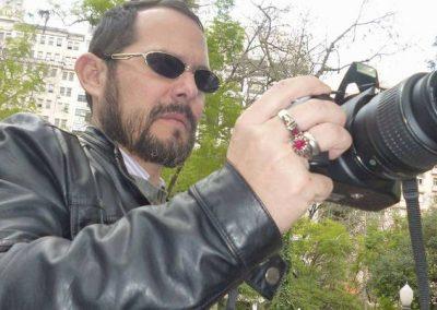 Após ficar cego, brasileiro encontra alegria em fotografar