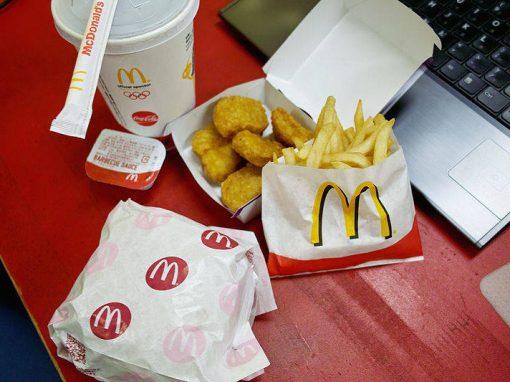 Sem fornecedor, cadeia alimenta presos com McDonald's