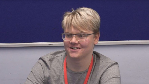 Garoto de 17 anos descobre erro em leituras da Nasa