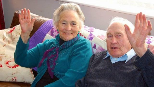 Após 71 anos juntos, casal morre em intervalo de quatro minutos