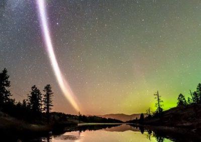 Manifestação da aurora boreal nunca antes observada é registrada por amadores no Canadá