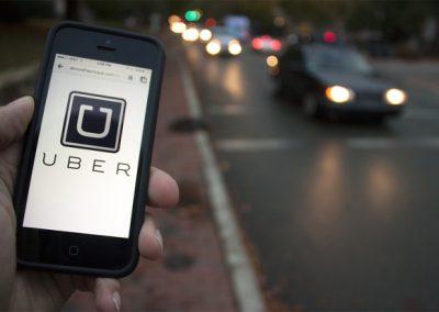 Por rastreamento indevido dos usuários, Apple ameaça romper com Uber