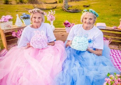 Gêmeas ganham ensaio para celebrar 100 anos de vida