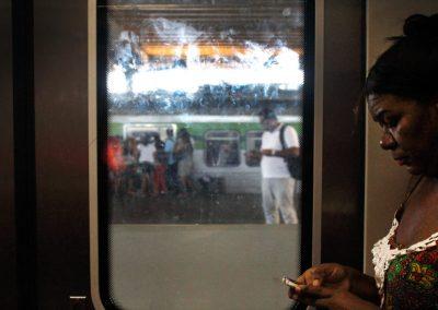 Anunciado no Dia da Mulher, vagão rosa em todos os trens ainda não saiu do papel no Recife