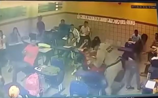 Câmera de segurança/ Escola Estadual Campos Teixeira
