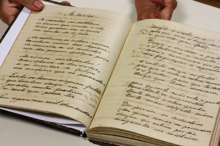 """Manuscrito de """"Urtigas"""", de Carneiro Vilela Paulo Paiva/DP"""