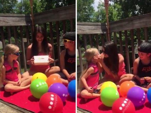 Com óculos especiais, mulher daltônica enxerga olhos azuis da filha pela primeira vez