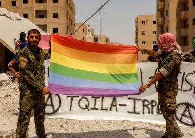 LGBTs criam exército para combater Estado Islâmico