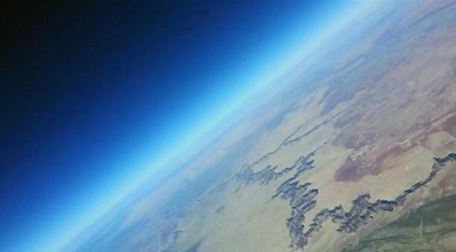 Cientistas lançam GoPro no espaço e vídeo surpreende