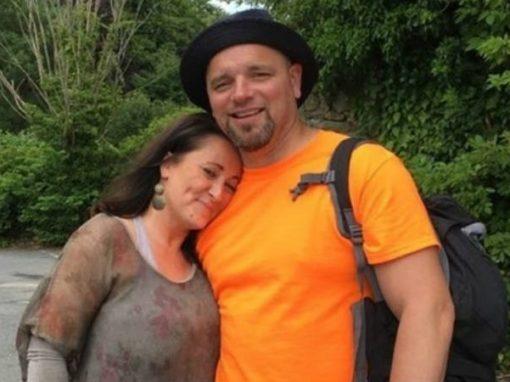 Com câncer terminal, mulher troca casamento por um amor da infância