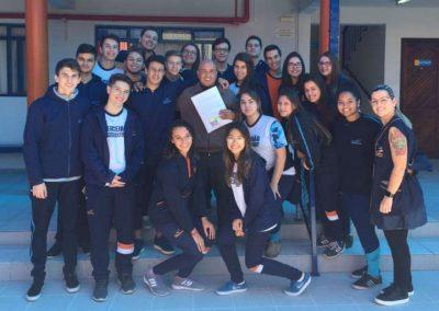 Com renda de formatura, alunos trazem família de venezuelanos ao Brasil