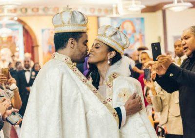 Casal se apaixona em balada, casa e agora herdará trono da Etiópia