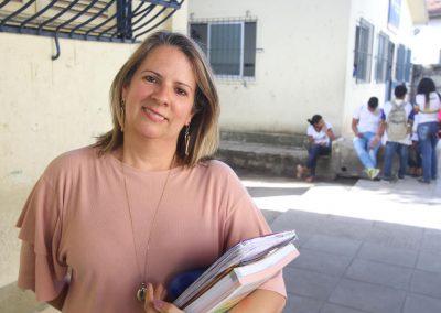 Profissão professora: quando ensinar é ser um pouco mãe