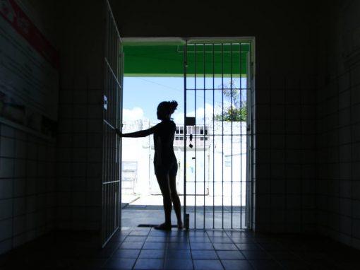 Adultos aos olhos da lei: os anseios dos adolescentes não adotados aos 17