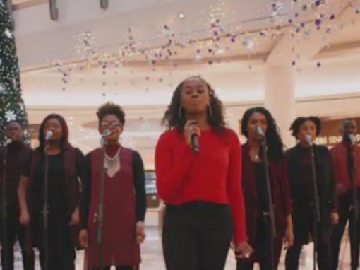 """Música """"mais feliz do mundo"""" natalina é criada com ajuda de fórmula"""