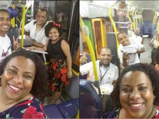 Família passa ano novo dentro de ônibus para acompanhar pai cobrador