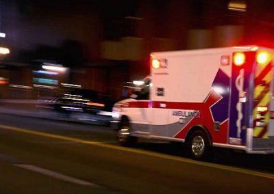 """Homem finge derrame para ganhar """"carona"""" de ambulância até hospital"""