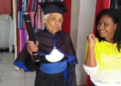Idosa se forma no ensino médio aos 91 anos